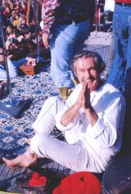 Tim Leary, con el mantra Turn-on, tune-in, drop-out